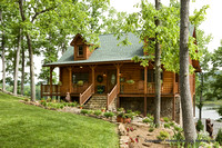 Exterior, horizontal, front elevation, Alderson residence, Clinton, Arkansas, Honest Abe Log Homes